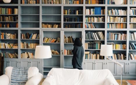Co Twój regał z książkami mówi o Tobie?